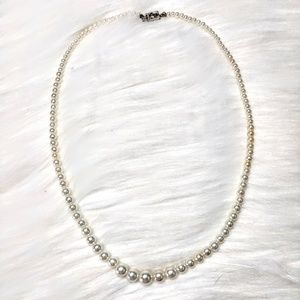 Jewelry - Graduated Pearl Necklace